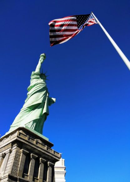 Learn American Accent-Statue and Flag